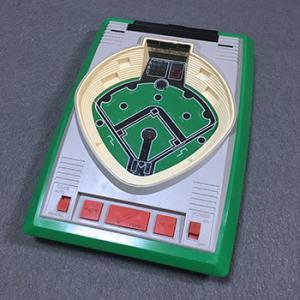 レトロ電子ゲーム機:1978年の電子ゲーム機 バンダイ LSI Portable Game ベースボールとは何か!秘技の裏ワザも!