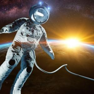 魂が金色の人の特徴は「魂の世界からやってきた宇宙飛行士!!」~過去世は宇宙人を何回も経験!~