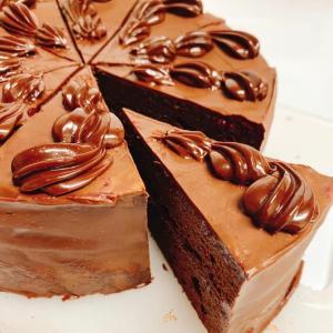 『秩父産ブラックベリーと苺のチョコレートケーキ』
