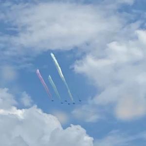 ブルーインパレスが都内に行く前、12機も空に同時にいる!