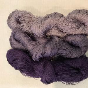 紫根染めの糸