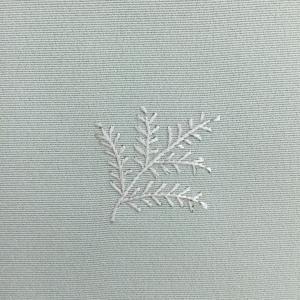 さらに、刺繍の小紋