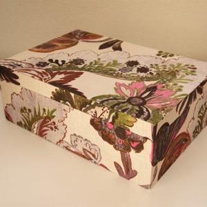 フランスのリネンでトランクタイプの箱(生徒さん作品)