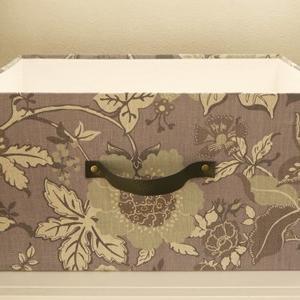 大きな箱とサングラスケース(生徒さん作品)