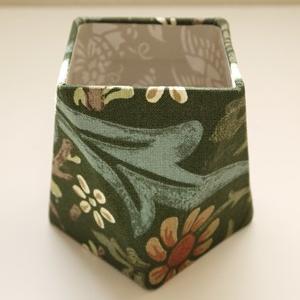 ウィリアムモリスのカーテン生地で多面体ボックス(生徒さん作品)