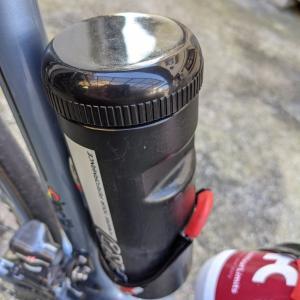 ツール缶の蓋がない。探しながらサイクリング。