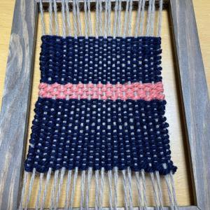 名もない、小さな織り機