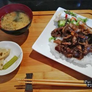 お肉なのに、安い(*^_^*)神戸三宮