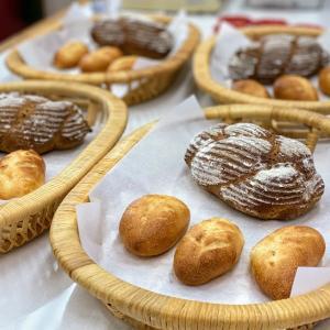 ごまの編みパン&ハーブクッペ&フルーツアイス