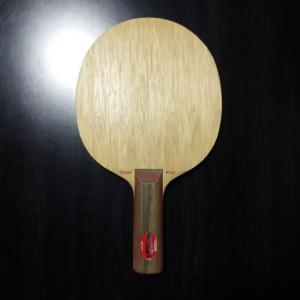 ロングセラー7枚合板空洞グリップバージョン「STIGA Clipper wood WRB」