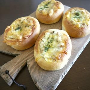 【パン作り】ボウルで簡単☆手捏ね生地deツナマヨパン♪