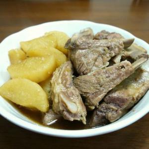 【簡単レシピ】豚スペアリブと大根の煮物♪