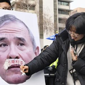 米国を侮辱した南鮮活動家らと、彼等を放置する青瓦台の異常性