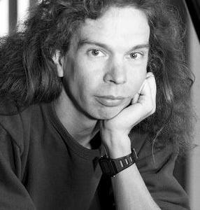 パット・メセニー・グループで活躍したピアニスト、ライル・メイズの逝去を 惜しむ( 2020年 2月10日 )。