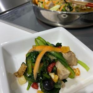 小松菜と鶏モモのオイスター炒め