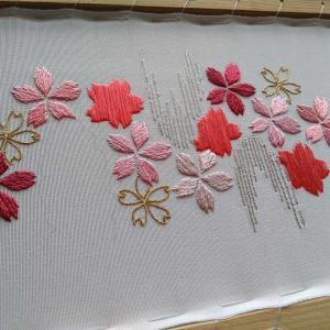 桜の刺繍半襟