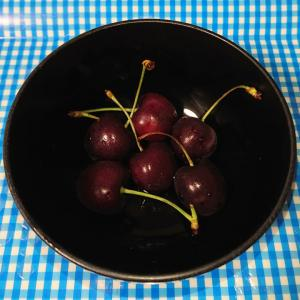 eating american cherry