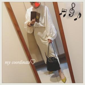 スピックアンドスパンのミルキィな白とIENAの白タイトスカートで、初夏のオールホワイトコーデ♡