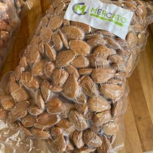 イタリア シチリア産 アフロンティ社のナッツ達