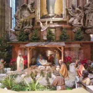 日曜の朝、大聖堂のミサ