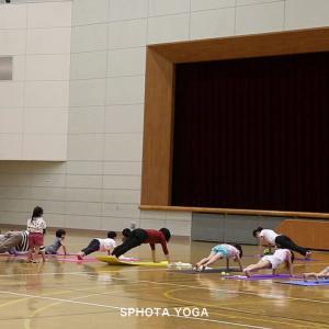 夏休み特別企画 子どもヨガトレーニング レベルアップ講座開催!