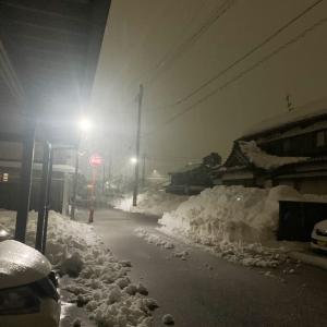 (大野市積雪情報2021)1/17再び降り出した重い雪!19日にかけて寒波も