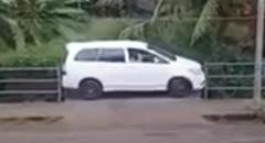 インドの縦列駐車の達人が凄すぎるwwwww