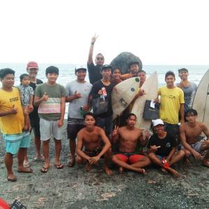 武漢肺炎で閉塞感有り有りのバリ島でローカルキッズのサーフィンの大会をやってみた!!