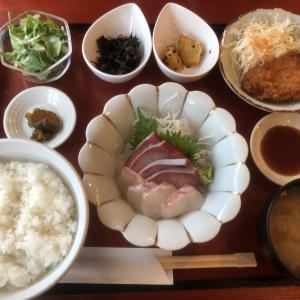 お刺身と串カツの定食