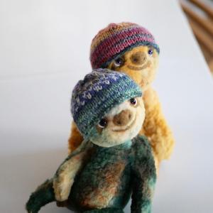帽子編んだりコツメカワウソ作ったり