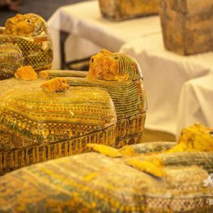 古代エジプト第22王朝時代のひつぎ30個発掘