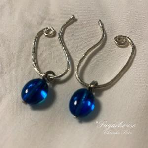 ブルーのイヤリング