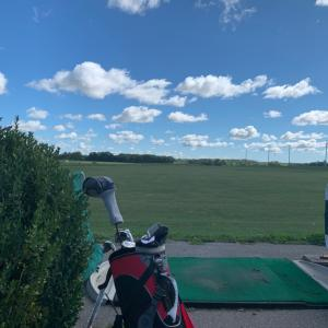 秋はソーシャルディスタンスでゴルフ