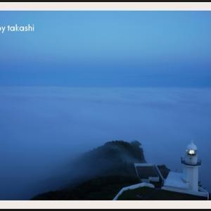 夜の地球岬灯台