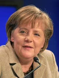 【ドイツ】メルケル首相、難民受け入れ「間違いでなかった」