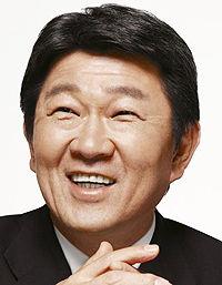【韓国教授】旭日旗めぐる茂木外相の発言を批判=「日本の外務省として恥ずかしくもないんですか?」[12-13]