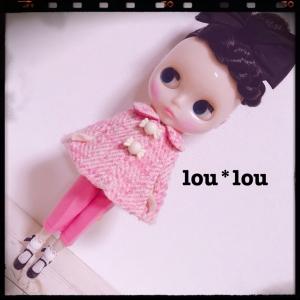 pinkツィードのケープコート