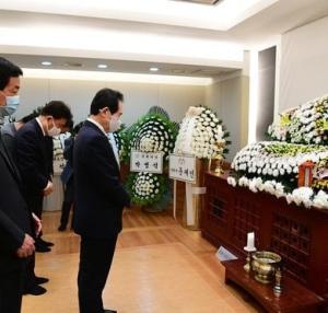 朴元淳氏のソウル市葬への反対請願43万…野党「税金使うべきことではない」