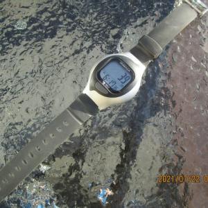腕時計に替えました。