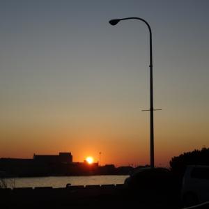 釧路川の岸壁でほほ笑む・・・」