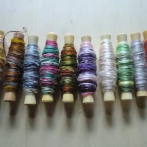カラフル手紡ぎ真綿で織る・・スヌード