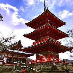 3596 【スイーツ314】雪舞うガラガラの清水寺で「キャラメル八ッ橋」を