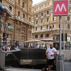 ナポリのアート地下鉄「Duomo」駅開通