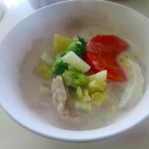 豆乳スープ、南瓜スイーツ、コロッケ、炒り卵、スムージー いろいろ作った