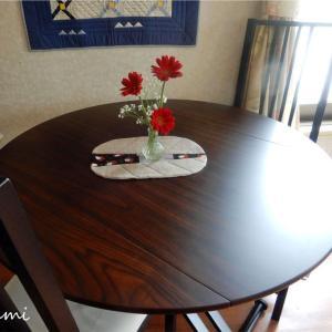 テーブルを買いました