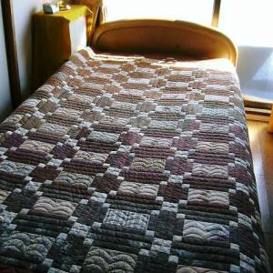 ベッドカバーのリメイク