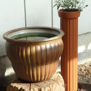 新発売? 土管の植木鉢!