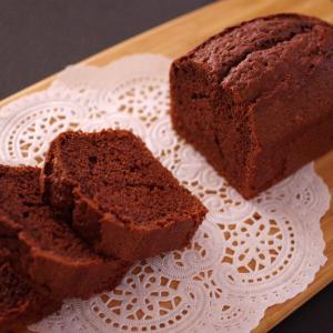 ふんわりしっとり、本格チョコレートケーキ☆材料4つ♪ホットケーキミックスで簡単ケーキ