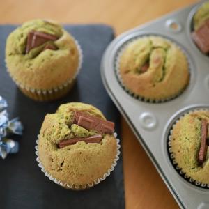 ホットケーキミックスと板チョコで作る☆簡単抹茶カップケーキ♪