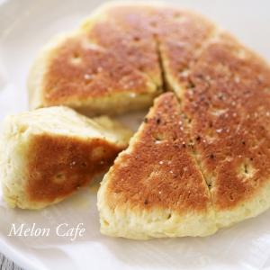 ホットケーキミックスでつくる、簡単フォカッチャ☆フライパン焼きで手軽に♪